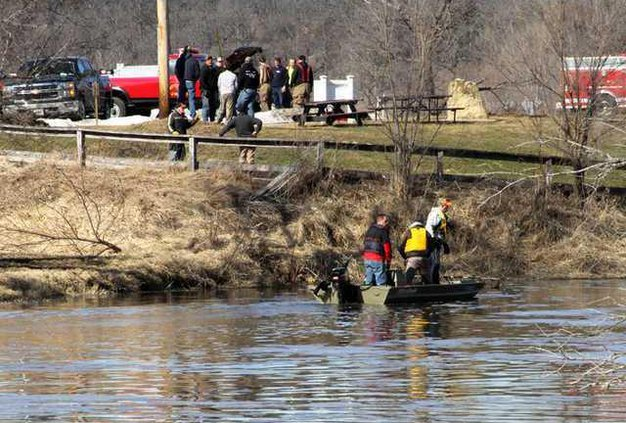 Rescue LCSD searchers in water