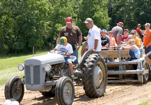 Ridge & Valley Rally Tractor Pull results - SWNews4U