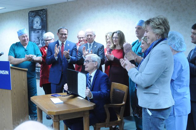 Governor Evers signs telehealth legislation at Richland Hospital